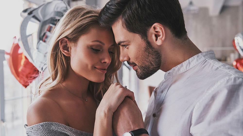 11 странных причин, почему мужчина влюбляется в женщину